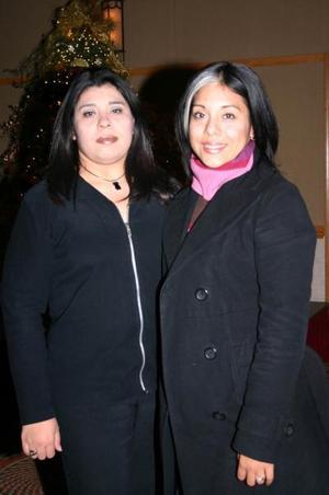 <b>26 de diciembre de 2004</b> <p> BrendaGuevara y Ana Gabriela Guevara.