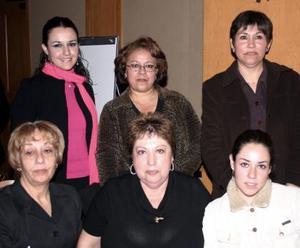 <b>25 de diciembre de 2004</b> Luis Elena de Cabello, Irma González, Alejandra Merino, Marian Villarreal, Mercedes Guerrero y Noemí Villalobos.