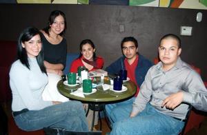 Edna, Ana Cinthia, Julián e Iván.
