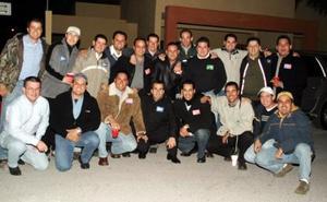 En días pasados se reunieron un grupo de amigos en casa de Julián de Alba, para disfrutar de un convivio con motivo de la Navidad.