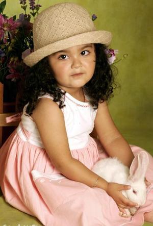 Naima Lucía Huereca González, en una foto de estudio con motivo de su segundo cumpleaños.