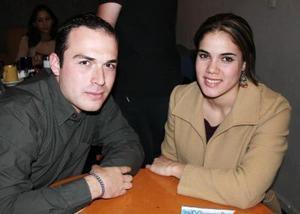 <b>28 de diciembre de 2004</b> <p> Víctor Mayagoitia y Marcela Garza.
