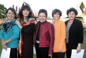 Pilar de Miñarro, Lupita de Murra, Lily de Gómez, Jazmín de Gutiérrez y Bertha de Gutiérrez.