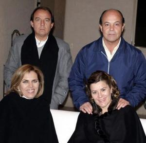 <b>29 de diciembre de 2004</b> <p Alejandro Garza, Magdalena de Garza, Gustavo de la Garza y Rosario de De la Garza.