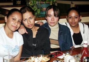María Elena Sánchez, Danae Govea,Bárbara Sandoval y Zucel Monreal.