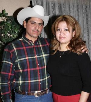 <b>30 de diciembre de 2004</b><p>  Rubén Eduardo Reyes y Susana Chacón Ríos.jpg