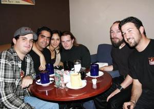 <b>30 de diciembre de 2004</b>  Luis Fernando Álvarez, Willy Baer, Patrick BAer, Paty Tueme, Mario Quieroga y Alberto Cobos..