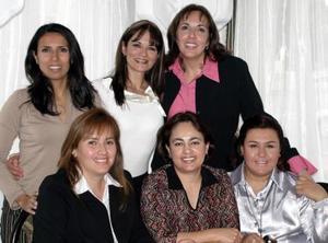 <b>31 de diciembre de 2004</b>  Gene Garza de Murra, Claudia Vega, Cecilia de Lozano, Paty Esqueda, Cristina Pacheco y Marcela Castro.jpg