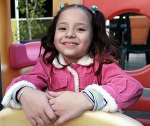 <b>30 de diciembre de 2004</b> <p> Karen Pamela Guajardo Bardán, captada en su fiesta de cumpleaños.