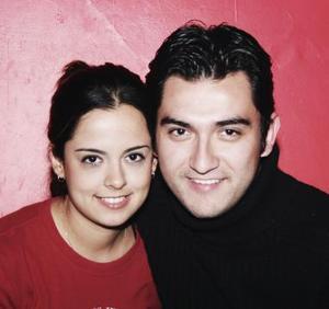 Érika Cepeda Velázquez y Chuy Chávez festejan hoy 4 años de novios.