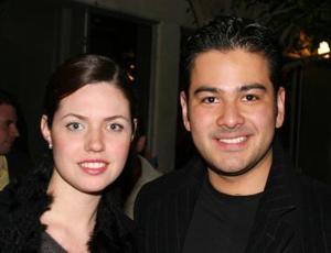 <b>01 de enero de 2005</b> <p> Karina Kort y Carlos Bustos.
