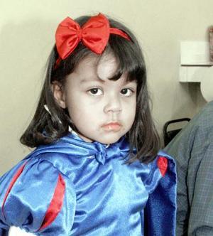 <b>03 de enero de 2005</b> <p> Merawi Abril Manríquez MArtínez festejo tres años de edad, con una divertida piñata.