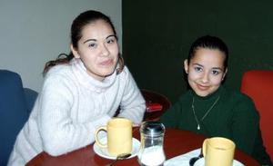 Diana Paola de la Torre Sandoval  y Selene   Patricia Carrillo  Flores.