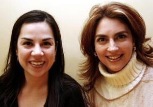 <b>02 de enero de 2005</b> <p> Lorena Mier y Lizett Leal.
