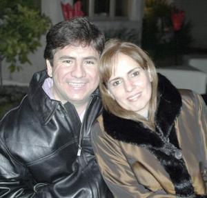 Alejandro y Erica Bello.
