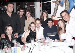 María y Gustavo Ortiz, Mey, Ramiro, Pinky, Adriana, Cuito, Chato, Alina y  Lalo Ávila.