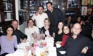 <b>05 de enero de 2005</b> <p> Alejandro, Isabel, Tito, Maru, Miriam, Fayo,  y Rafael entre  otros amigos