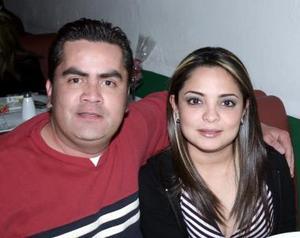 Héctor Sarellano y Cris Álvarez.