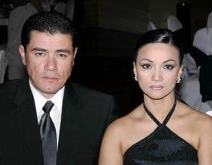 Xavier Lee Chibil y Rocío  Betancourt de Lee.