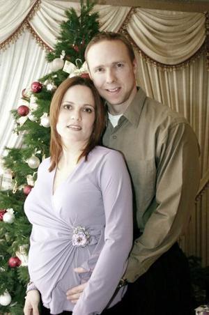 <b>05 de enero de 2005</b> <p>  Tom Wickman y Claudia Wickman.