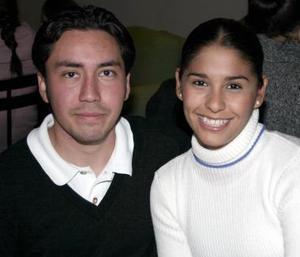 Juan  González y Mara Rojas.