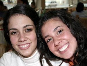<b>05 de enero de 2005</b> <p> Renata y Federica Muggenburg.