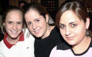 Mila, Anamary y Margarita Tricio.