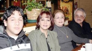 José Alberto Mota, Rocío Mota y Daniel  Segovia Mota..JPG