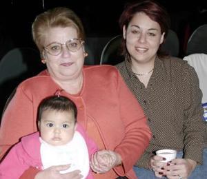 María de los Angeles Ceñal, Guadalupe Martínez Ceñal y Sonia Villarreal Martínez.