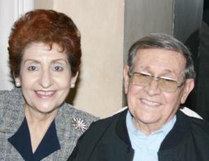 María Elvira de Toraño  y José  Ángel Toraño.