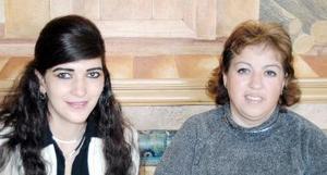 <b>07 de enero de 2005</b> <p> Yamile Bujdud y Rosa María  Romero.