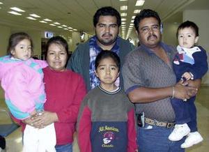 Sergio Guerrero, Marisa Guerrero, Gilberto Guerrero, Marco Guerrero, Cristian Reyes y Lesly Reyes viajaron a Tijuana.