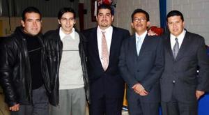 Juan Carlos Mancha,Eduardo Montes, Martín Lozano, Mario Mendoza y Luis Orrantia.