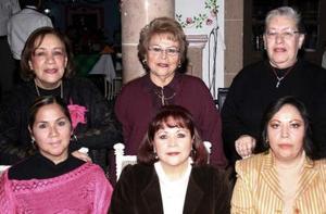 Pera de Lozano, Conchita de Salazar, Ivonne de Correa, Chayito Valdez, Minerva de Martínez y Lupita de Reséndez.