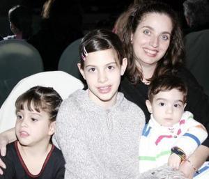 Isabel Ruiz E., Estefania  Ruiz E., Pily Vargas E. y María del Pilar E.