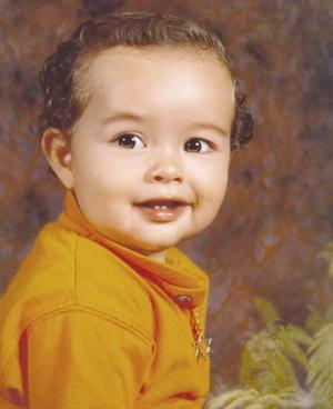 Niño KEvin Emmanuel Lorta Mejía, en una fotografía de estudio con motivo de su primer cumpleaños; es hijo de los señores Emmanuel Lorta Valadez y Yadira  Mejía  Hernández.