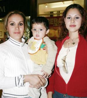 Pily Reyes, Lineth de Ibarra y Diego Ibarra.