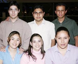 Brenda Cuellar. Lorena Boone, Pamela Pichardo, Ernesto Rodríguez, Marco Rodríguez y Ricardo Rodríguez.