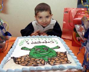 <b>10 de enero de 2005</b> <p> Jesús Alberto Guajarado, captado en su fiesta de cumpleaños.