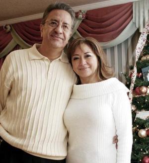 Federico López y Josefina de López.