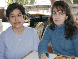 Lourdes de Robledo y Rosario de Hernández.