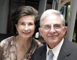 Alberto González Domene y Rosario L. de González.