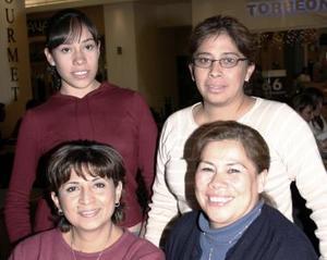 Diana de Córdoba, Gina Robles, Rocío  Rivera y Lucía Córdoba.