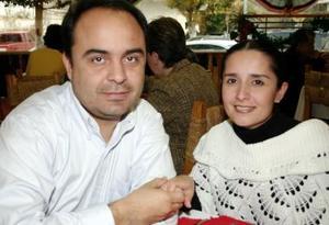 Claudia Rosales y Luis García.