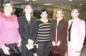 Maviri Murra, Lety Montoya, Cecilia Ramírez, Lucía Jaik y Monse de Murra.