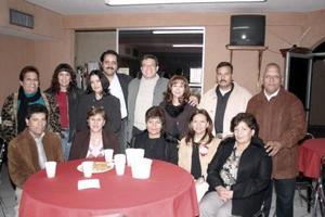 <b>15 de enero de 2005</b> <p> Personal de la Comisión Nacional del Agua, en su reunión de fin de año.