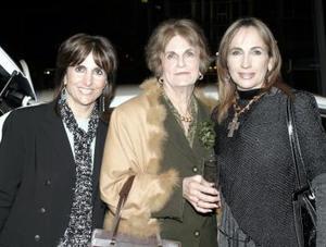 Nadia Zarzar, Hilda de Zarzar y Carmen de Hermosillo.