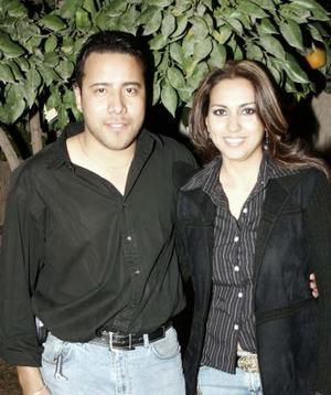 Héctor Barro y Claudia Mijares.