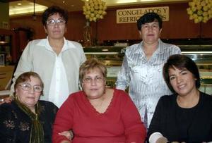 Lupita Pérez, Eva Sánchez, Lupita M., Mary de Samaniego y Esther B.