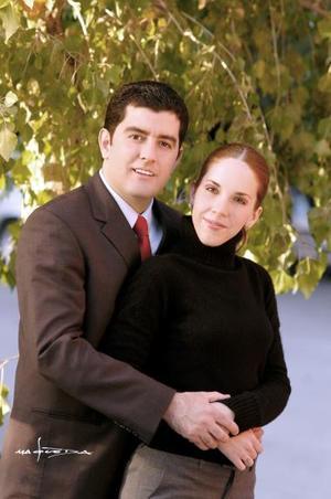 Sr. Jacinto Faya Rodríguez  y Srita Paola  Romo Martínez efectuaron su presentación religiosa en la parroquia de San Pedro Ápostol el viernes 17 de diciembre de 2004